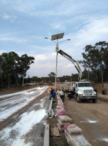 Proyecto de luminarias solares en avenidas de Queretaro