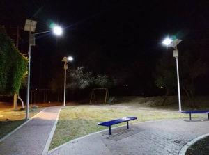 Proyecto de luminarias solares en parque recreativo