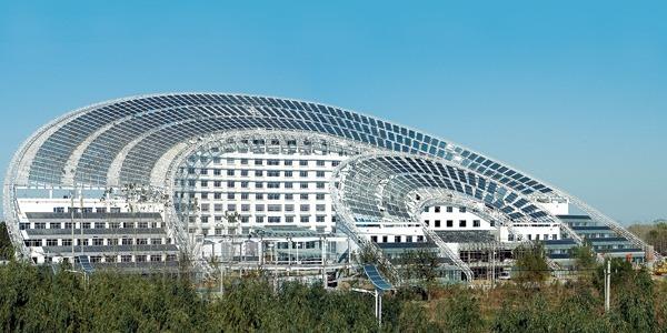 El Sun Moon Mansion cuenta con 5 mil metros cuadrados de paneles fotovoltaicos en su techo