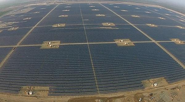 La Gran Muralla China del Sol tiene una potencia equivalente a 10 centrales nucleares en energía solar